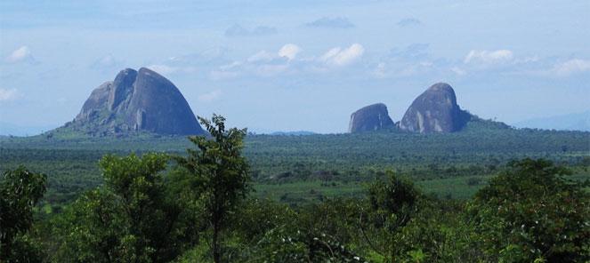 אנגולה