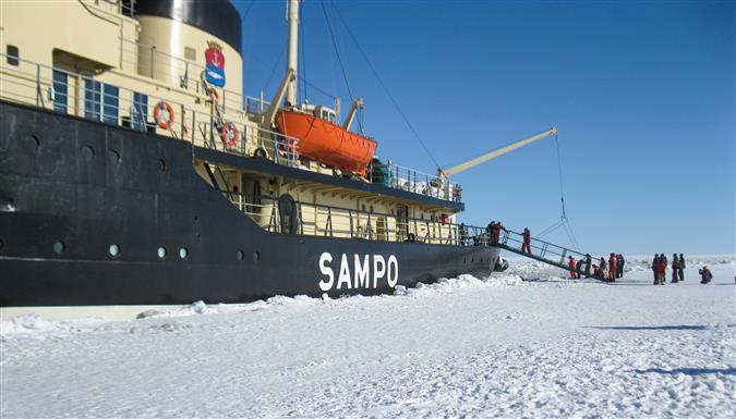 שוברת קרח בלפלנד