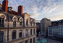צרפת צפויה להפתח לתיירים מחוסנים