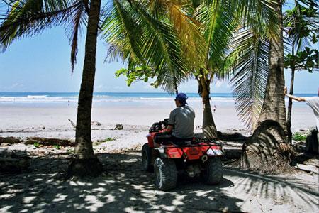 תצפית על החוף במאל פאיס
