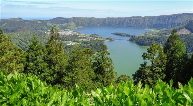 האי סאו מיגל, האיים האזוריים