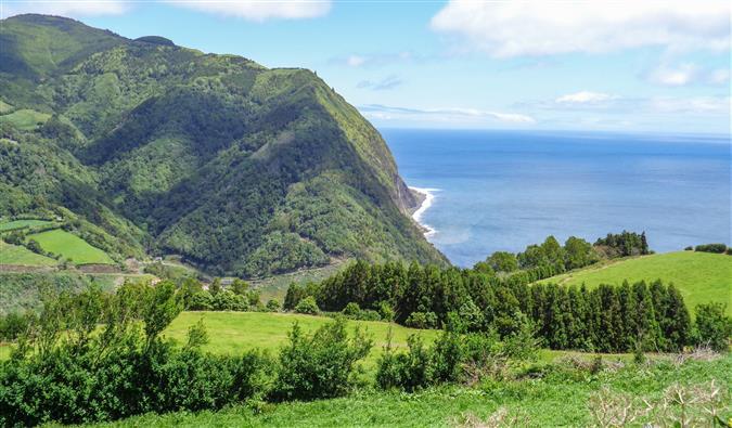 נופים מרהיבים באיים האזוריים